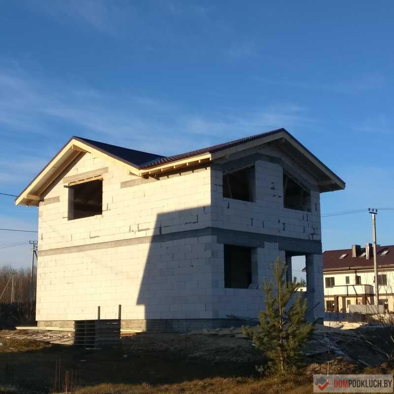 Построенный дом из газосиликатных блоков без отделки