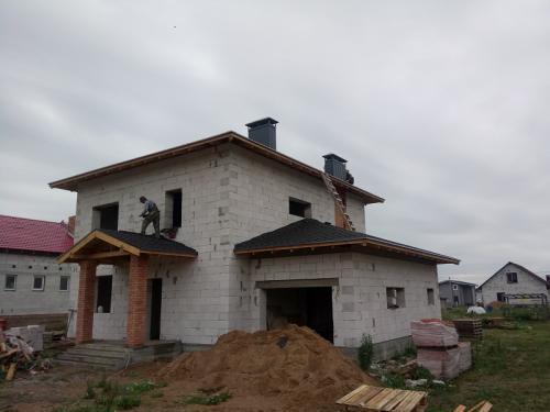 dom-iz-gazosilikatnih-blokov-s-garazhom