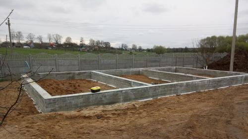 svaino-rostverkovogo-fundamenta-pod-garazh